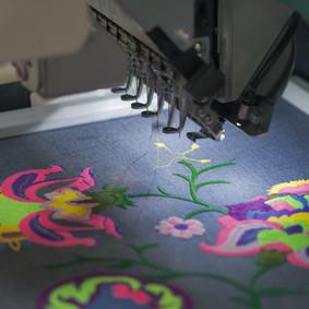producent odzieży warszawa hafciarka przemysłowa